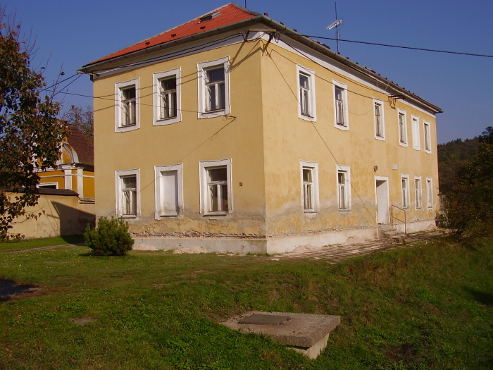 Škola, Moravičany